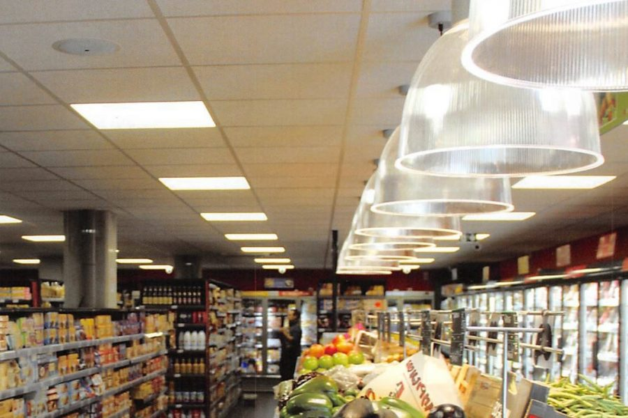 SHOWCASE YOUR STORE WITH THE RIGHT LIGHTING
